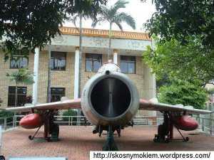chiński_myśliwiec_J_5_Chinese_fighter_J_5_01