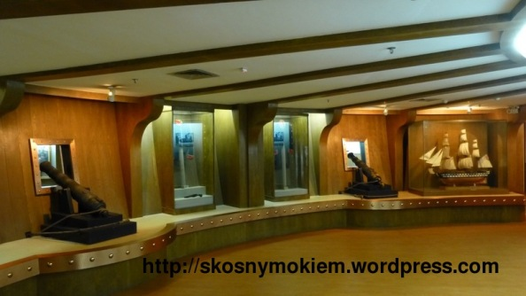humen_naval_war_history_museum_虎门海战博物馆_exhibition_inside_battle_ship_战船模型里面