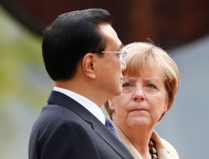 Merkel_LiKeqiang_source_NYT_credit_Thomas Peter_Reuters